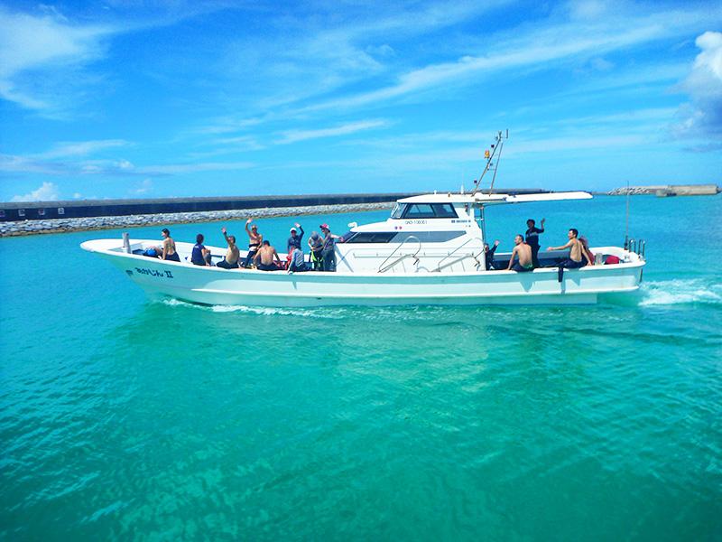 海の日連休初日の出航
