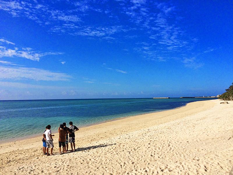 11月の伊江島のビーチ