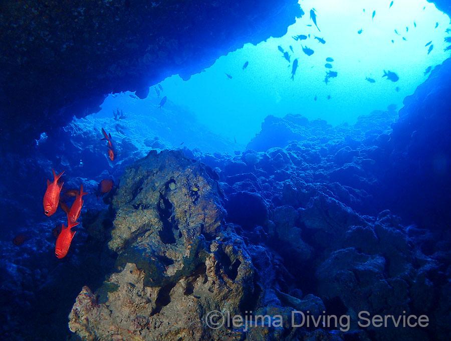 オホバNo.2、大洞窟の入り口