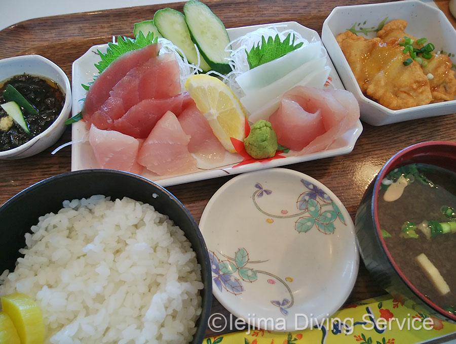伊江島 海人食堂の刺身定食