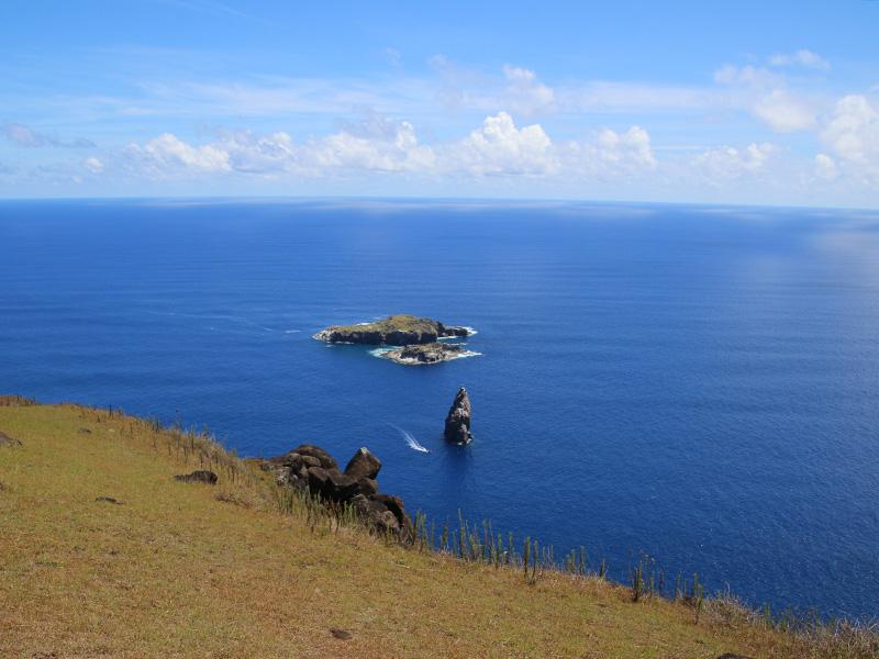 イースター島の小島は絶好のダイビングスポット