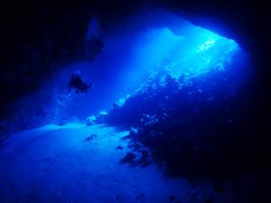 オホバ大洞窟のブルー