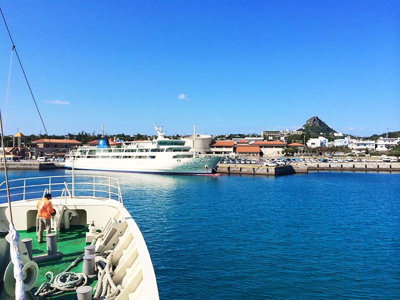 夏休みは増便の伊江島フェリー