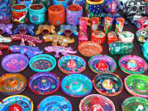 カラフルなメキシコ陶器