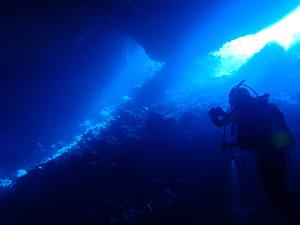 伊江島ブルーの洞窟ポイント